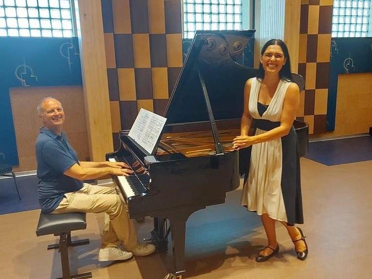 Marcelina Beucher,  Gilbert Den Broeder in Muziekcentrum van de Omroep.